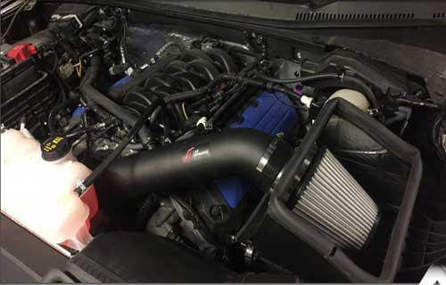 how does a cold air intake work