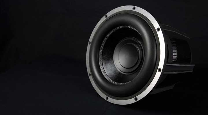 How to Construct a Truck Subwoofer Enclosure